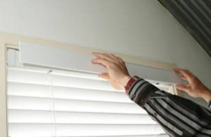 Check That Valance Return Presses Snugly Onto Window Frame In The Unlikely Event That It S Too Tight Cut Back With Hacksaw To Fit 6 Adjust Blinds For