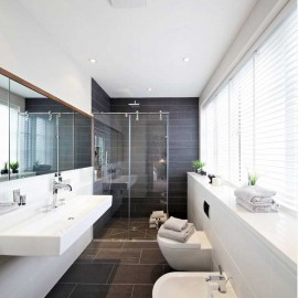venetian-blinds-in-bathroom